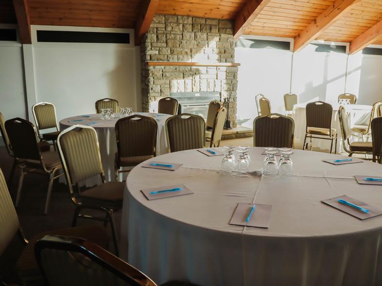 Business meet Ottawa Business meeting room Black Donald