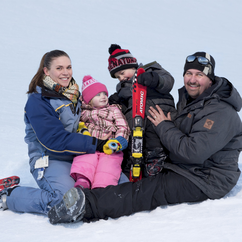 family skiing at the Peaks - Ontario getaways