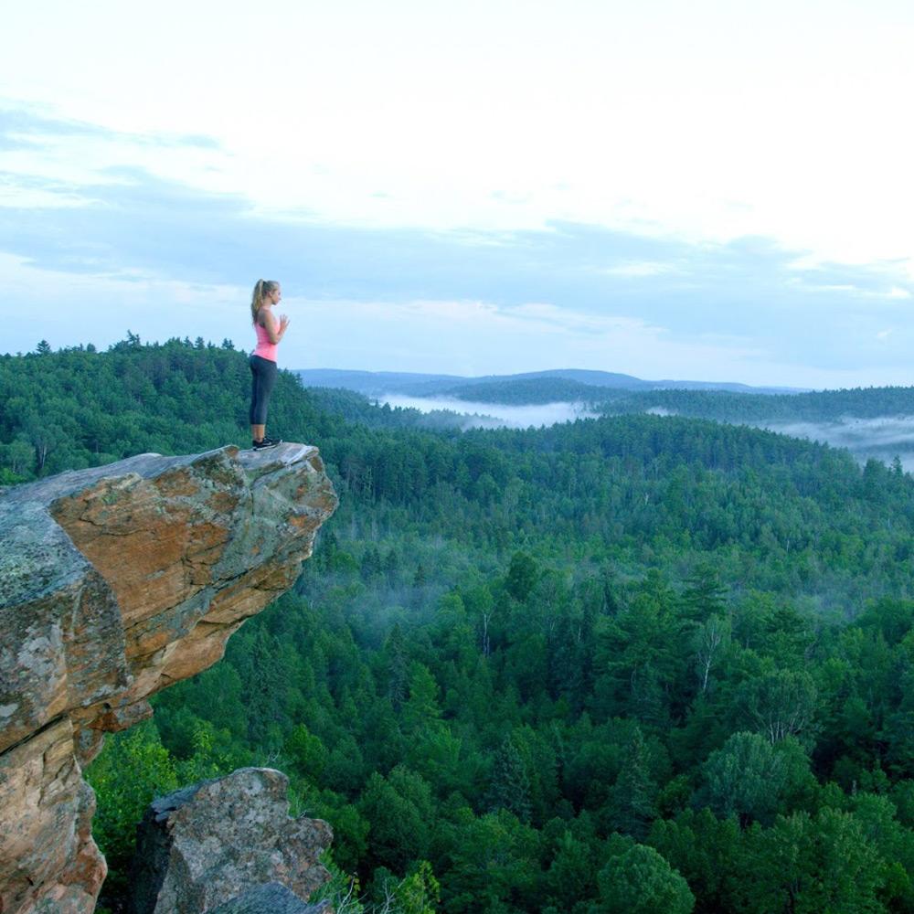 Hiking at the Peaks - Ontario getaways