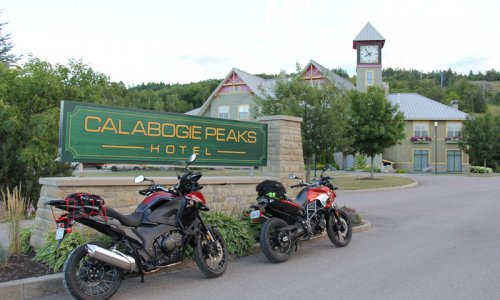 motorcycling-at-the-peaks1