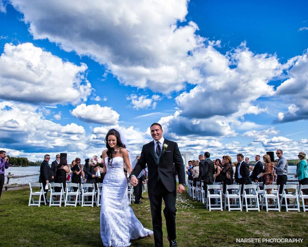 Outdoor wedding venues Ontario - beachfront wedding at the Peaks
