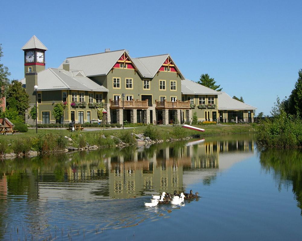 Outdoor wedding venues Ontario - wedding pond venue