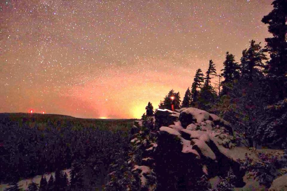 Eagle Nest at night - Snowshoeing at the Peaks - Snowshoe Rental